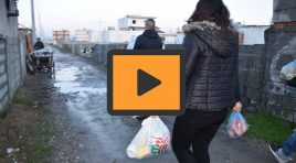 """""""Dhuro ngrohtësi për fundvit"""", të rinjtë në ndihmë të familjeve në nevojë"""
