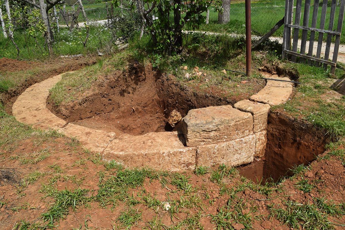 """Gjetjet arkeologjike në """"Albanopolis"""", ngjallin shpresa për turizëm te banorët e Zgërdheshit"""